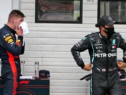 """Jacques Villeneuve geeft Verstappen en Bottas advies: """"Kruip in het hoofd van Hamilton"""""""