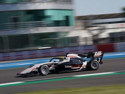 F3-coureur Theo Pourchaire idolaat van Vettel en Hamilton