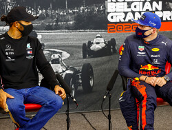 """Lewis Hamilton: """"Red Bull heeft twee goede coureurs nodig"""""""