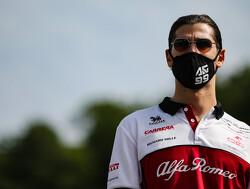 """Giovinazzi ging volgas bij herstart: """"Kevin Magnussen stopte compleet voor mijn neus"""""""