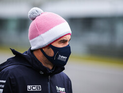 """Sergio Perez klaagt over koud weer: """"Dit is nog erger dan wintertesten"""""""