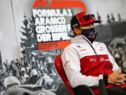 Kimi Raikkonen ontkent verlengen contract Alfa Romeo