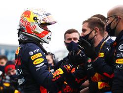 Mika Hakkinen ziet zorgen bij Mercedes om Max Verstappen