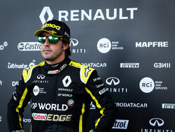 """Cyril Abiteboul: """"Fernando Alonso is een grote haai die bloed ruikt"""""""