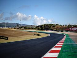 MotoGP 2-coureur komt met de schrik vrij na crash