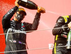 """Hamilton: """"Imola-trofee veel mooier dan sommige vreemde die we hebben gehad"""""""