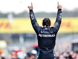 Hamilton ontkracht speculaties over vertrek uit F1 en is ambitieuzer dan ooit