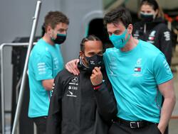 """Wolff waarschuwt: """"We nemen geen gas terug voor de komende races"""""""
