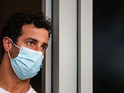 In beeld: Daniel Ricciardo in nieuw McLaren-tenue