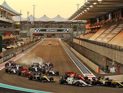 Charles Leclerc en Carlos Sainz hadden een heerlijk gevecht na Safety Car-herstart