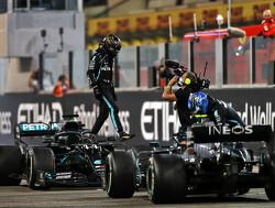 Lewis Hamilton blikt terug op 2020