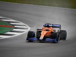 Bewegende beelden van de McLaren MCL35M op Silverstone