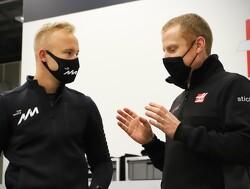 De eerste dag van Nikita Mazepin in fabriek van Haas F1