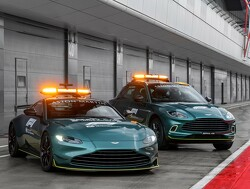Aston Martin en Mercedes leveren om en om de safety car