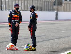 """Sergio Perez: """"Ik heb veel geleerd over de rijstijl van Max Verstappen"""""""