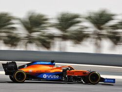 Verslag ochtendsessie F1 tests: Ricciardo snelste, Hamilton veroorzaakt rode vlag