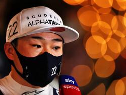 """Tsunoda weer emotioneel: """"Mijn vader is fan van Alonso en ik haalde hem in!"""""""