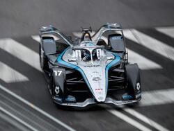 """Nyck de Vries na winnen Formula E-titel: """"F1 wel altijd nog grote droom"""""""