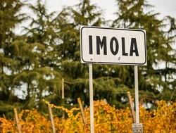 Trofeeën voor Grand Prix op Imola gebaseerd op een bliksemschicht