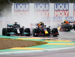 Hamilton verloor zes tienden per ronde door beschadigde voorvleugel