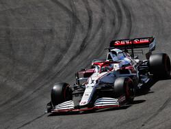 Safety Car: Kimi Raikkonen bots tegen Antonio Giovinazzi