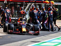 Red Bull Racing zuigt motoren-afdeling Mercedes nog verder leeg
