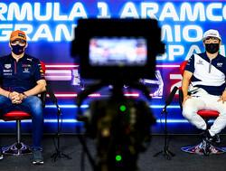 """Max Verstappen heeft lol met Tsunoda: """"Als ik zoveel eet, kan je me door de paddock rollen"""""""