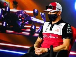 Alfa Romeo schrijft ontwerpwedstrijd voor schoenen van Kimi Raikkonen uit