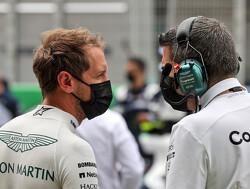 Sebastian Vettel boos op journalisten na vragen wanneer Max Verstappen en Lewis Hamilton zullen crashen
