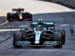 """""""Sebastian Vettel reed sneller dan waar zijn  Aston Martin toe in staat is"""""""