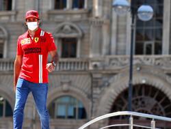 """Tsunoda schuldig aan crash Sainz: """"Ik zag rook"""""""