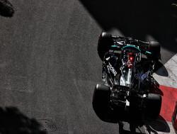 14 (!) coureurs wisselden van versnellingsbak, waaronder Hamilton en Verstappen