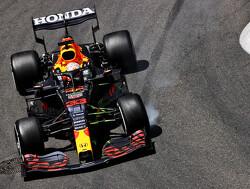Bizarre kwalificatie GP Azerbeidzjan: Leclerc pakt pole voor Hamilton en Verstappen door vele crashes