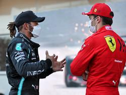 """Haas-teambaas Guenther Steiner: """"Mercedes en Hamilton maken meer fouten door de druk van Max Verstappen"""""""