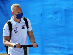 """Mazepin biedt 'welgemeende' excuses aan bij Schumacher """"Puur omdat hij zo van slag was"""""""