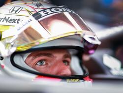 VT1 Britse F1 GP:  Verstappen rijdt Hamilton en Mercedes direct op grote achterstand op Silvestone