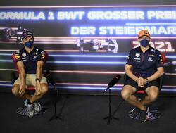 Helm-maker doet goede zaken: Verstappen en Perez onthullen nieuwe hoofddeksels