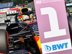 Samenvatting  Formule 1 Grand Prix Stiermarken:    Max Verstappen vergroot leiding in WK op Hamilton na machtige overwinning in Oostenrijk