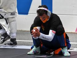 """Red Bull-teambaas heeft medelijden met Ricciardo: """"Zielig om hem zo te zien"""""""