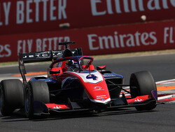 Doohan wint sprintrace op nat Spa-Francorchamps achter safety car door zware crash