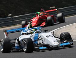 Top 8 W-Series automatisch gekwalificeerd voor volgend seizoen