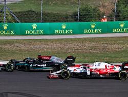 """Lewis Hamilton knokt zich terug naar podium na miskleun met bandenkeus: """"Team zei dat er nog regen zou komen"""""""