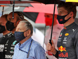 """Jean Todt nuanceert crash Max Verstappen op Silverstone: """"Dat is racen"""""""