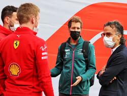 """Vettel ziet volle kalender liever leeg lopen: """"Je loopt risico dat race niet meer speciaal is"""""""