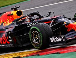 """Max Verstappen: """"Russell zou het Lewis moeilijk maken"""""""