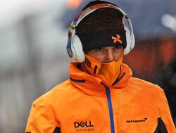 """Norris compleet kapot: """"Ging harder regenen dan we hadden verwacht"""""""