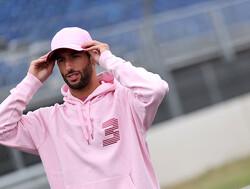 Ricciardo heeft zin in Zandvoort: 'Bochten die je nergens anders ziet'