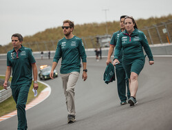 Motorprobleem Vettel zorgt voor rode vlag in Zandvoort