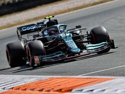 """Vettel goed gemutst: """"Het is een geweldig seizoen"""""""