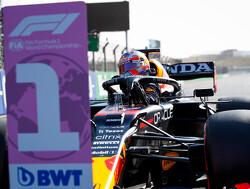 Max Verstappen sjeest door Palermo voorafgaand aan Italiaanse F1 Grand Prix